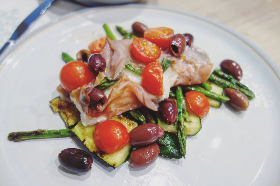 Olive and tomato fish