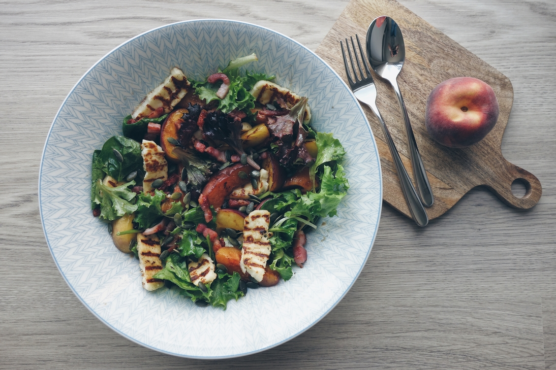 Peach and Halloumi Salad Recipe