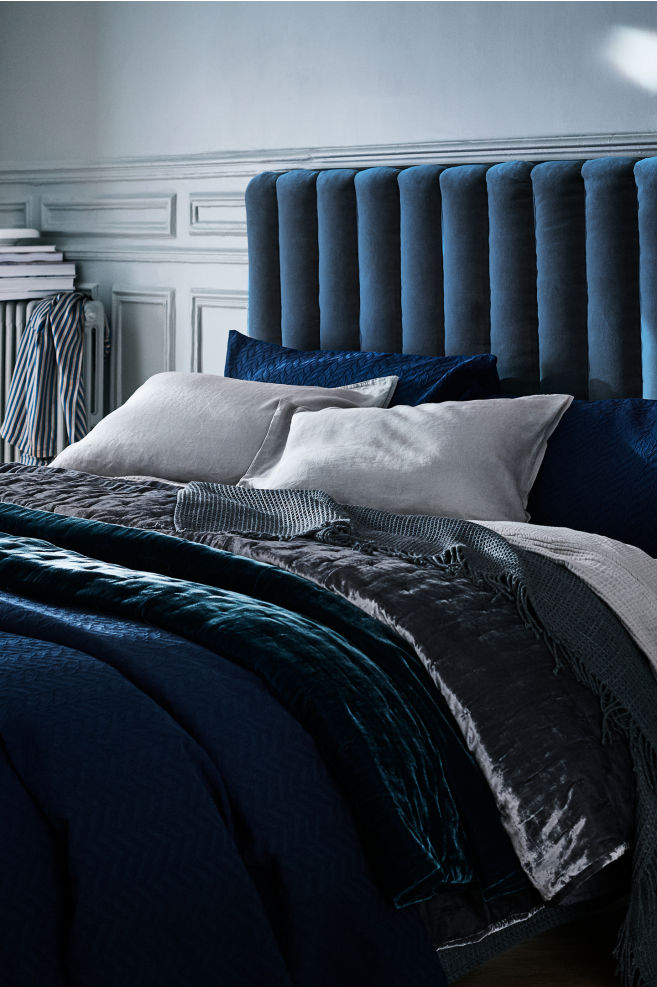 Velvet bedspread H&M