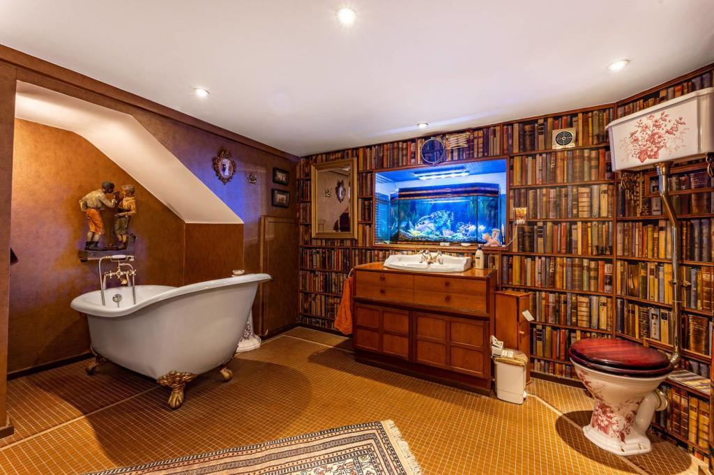 Bligh House Bathroom