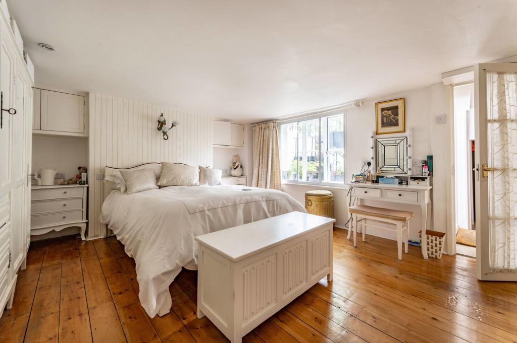 Bligh House Bedroom