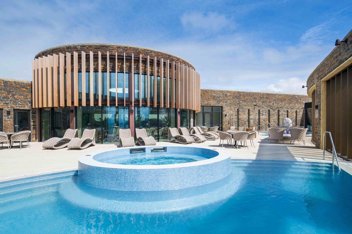 Outdoor Pool Headland Hotel