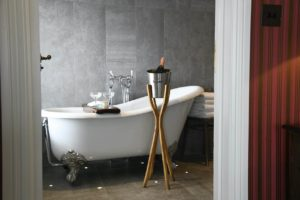 Padstow Townhouse Bathtub