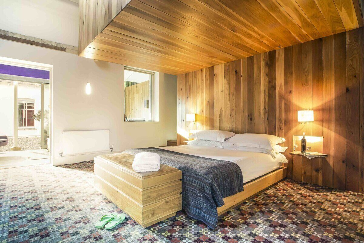 Cowley Manor Bedroom
