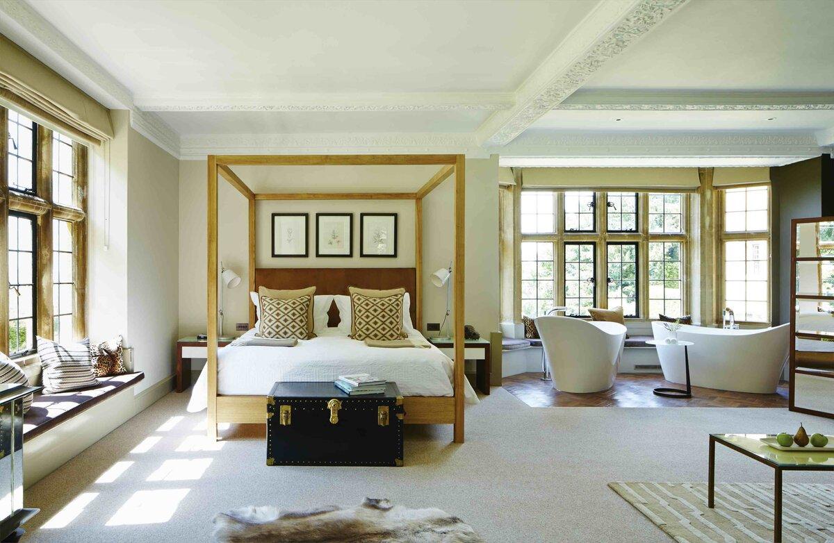 Foxhill Manor Oak Suite