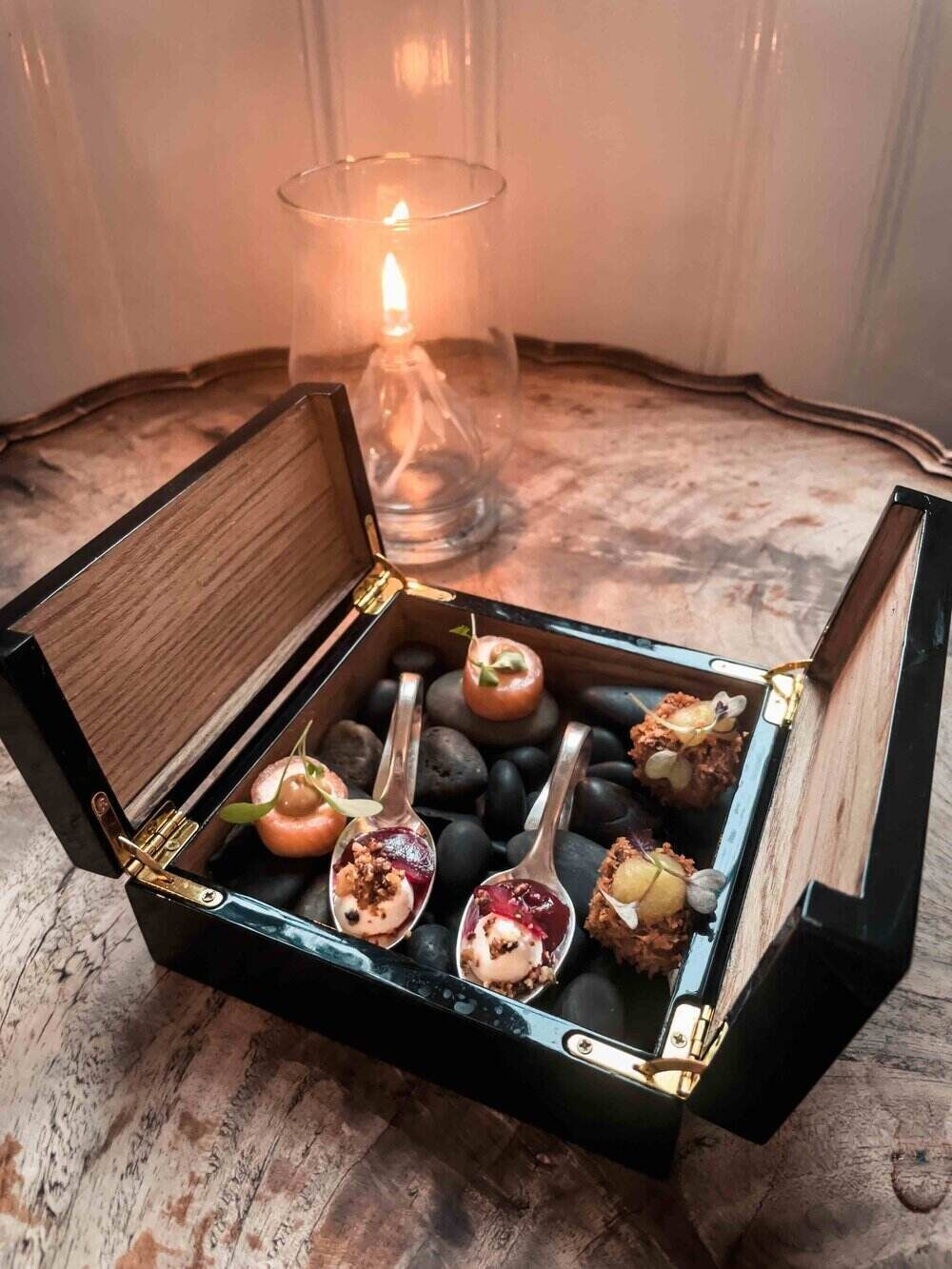 Paschoe House Canapes