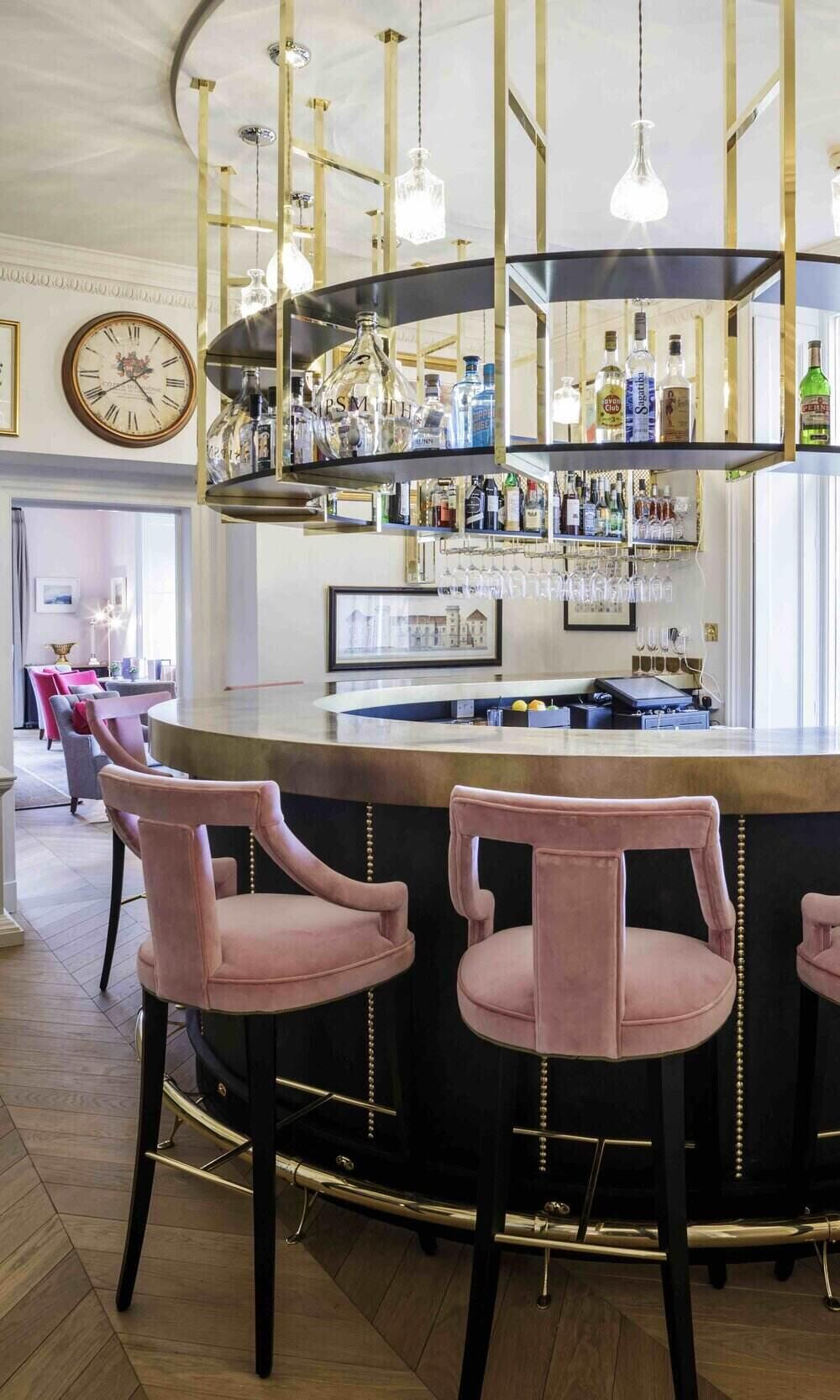 Slaughters Manor House Bar